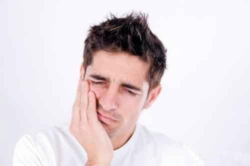 تسکین دندان درد با طب سنتی