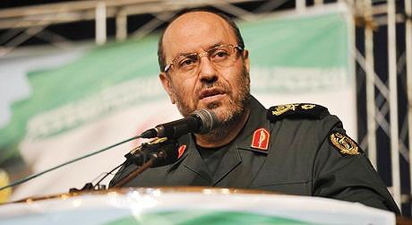 وزیر دفاع خطاب به حکام مرتجع منطقه: از گذشته درس عبرت بگیرید