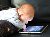 نکته بهداشتی: پیامدهای محدود نکردن زمان رسانهای کودکان