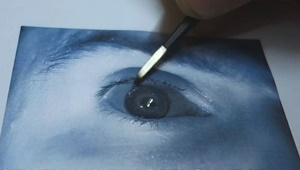 فریب دادن سیستم امنیتی اسکن چشم با کمک یک عکس