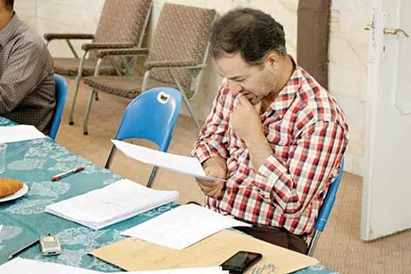 معلم-تصحیح ورقه امتحانی