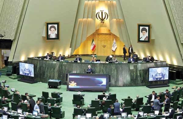 اعتبارنامه ۴ نفر از نمایندگان میاندوره ای مجلس تایید شد