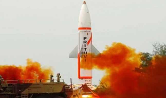 هند یک موشک جدید با قابلیت حمل کلاهک اتمی آزمایش کرد