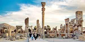 با تدوین سند ملی گردشگری ایران برای نخستین بار صاحب طرح جامع گردشگری می شود.