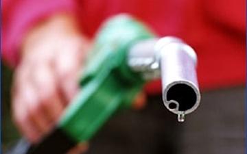 جزییات فروش فرآوردههای نفتی با قیمت پایینتر به مرزنشینان