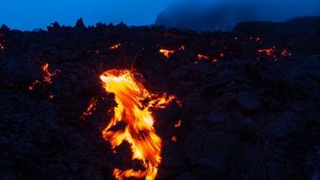 تولد دایناسورها از دل آتشفشان