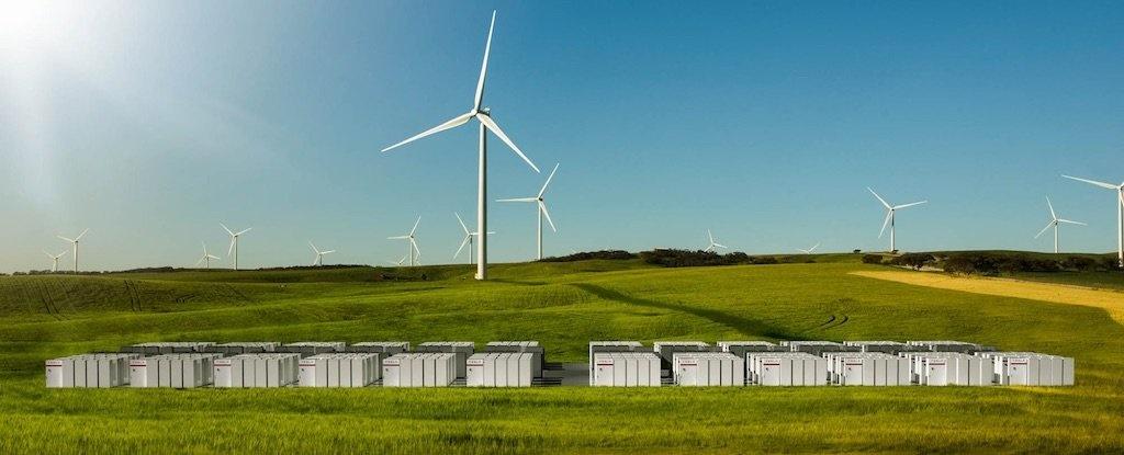 تسلا ساخت بزرگترین باتری لیتیومی جهان را میسازد
