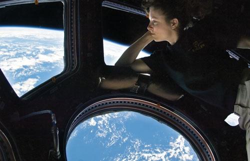 ۶ نما از زندگی در ایستگاه فضایی