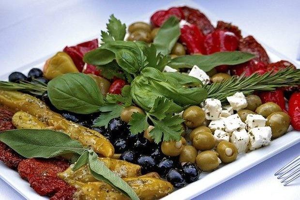 رژیم غذایی مدیترانهای از عوارض چاقی میکاهد