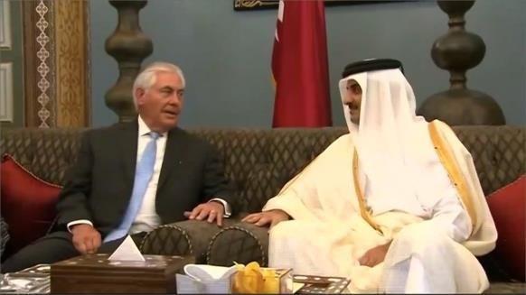 دیدار تیلرسون و امیر قطر در حضور یک مقام کویتی در دوحه
