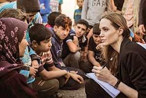 آنجلینا جولی معروف ترین سفیر حسن نیت یونیسف در میان بازیگران دنیاست.