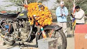 پرستشگاه موتورسیکلت در هند