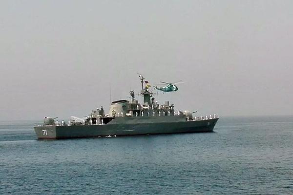 ناوگروه چهل و هفتم نیروی دریایی راهبردی ارتش در صلاله عمان پهلو گرفت