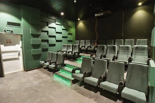 افزایش ۱۳۰۰صندلی به ظرفیت سینماهای تهران در ۳ ماه