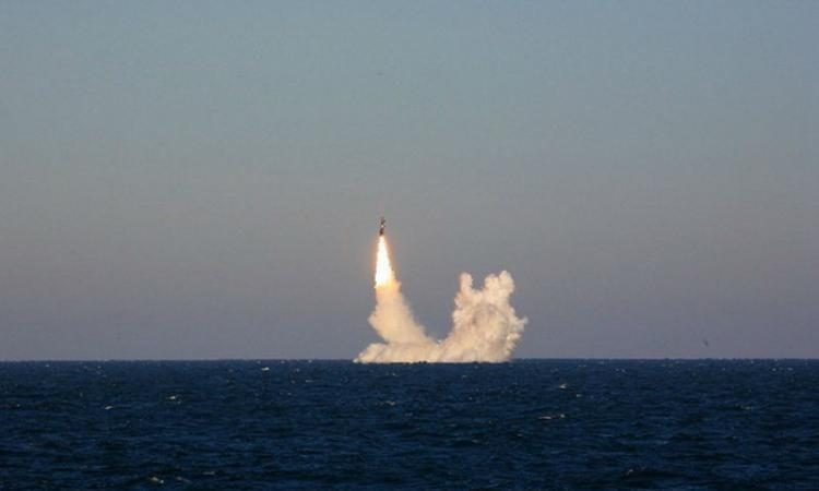 قدرت نمایی روسیه در برابر ناتو با آزمایش موشک بالستیکی