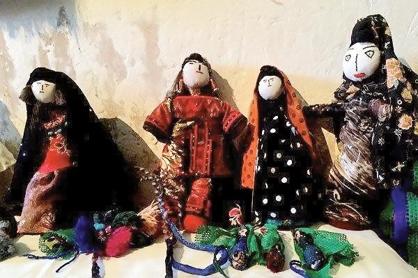 ابتکار روستاییان برای عروسکهای سازگار با محیطزیست