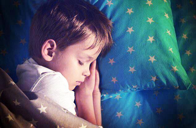 بیماری که با کم خوابی به سراغ فرزندتان میآید