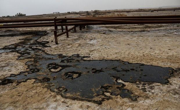نشت نفت در اراضی کشاورزی منطقه دارخوین شادگان