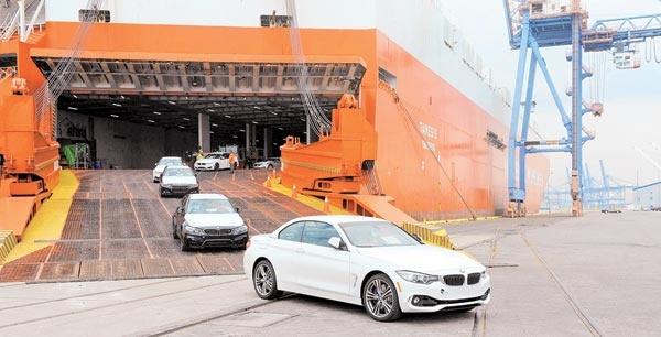 رصد بازار خودروهای وارداتی در شورای رقابت