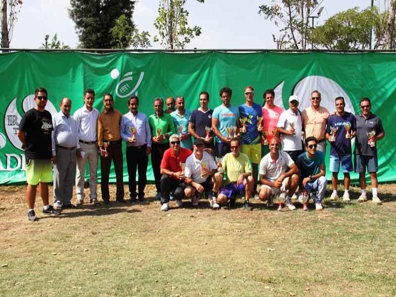 برترینها جام قهرمانی تنیس بینالمللی پیشکسوتان را بالای سر بردند