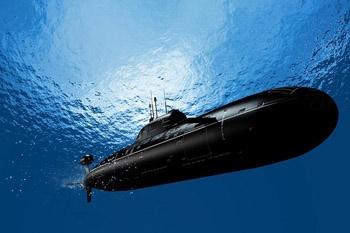 زیردریایی «فاتح» در هفته دفاع مقدس به نیروی دریایی ارتش ملحق میشود