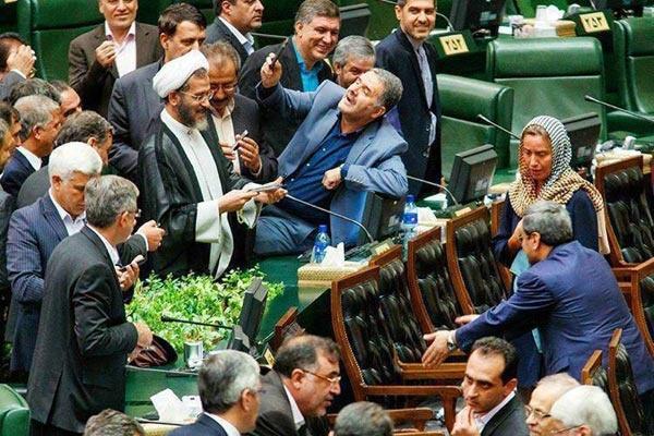 احمدینژاد، پادشاه لسوتو و سلفی موگرینی ندیدهها!