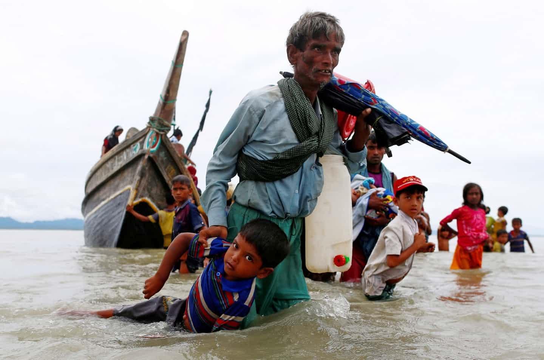 عکس روز: فرار از دریا