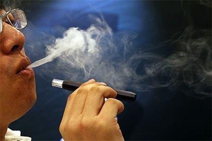 سیگار الکترونیکی به رگها آسیب میزند