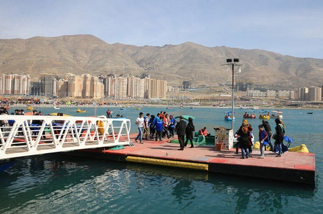 علت بوی بد دریاچه چیتگر