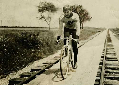 دوچرخه شماره ۸۹۲