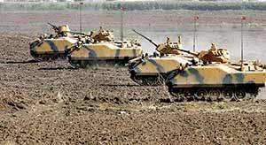 ترکیه همزمان با آرایش جنگی تانکهایش در مرز عراق، از تحریم اقتصادی اقلیم کردستان خبر داده است.