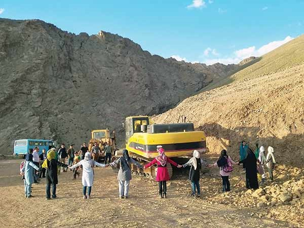 هشدار نسبت به تخریب کوهها در روز جهانی پاکسازی کوهستان