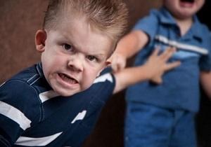 کنترل کودکان قلدر را با این ترفندها در دست بگیرید