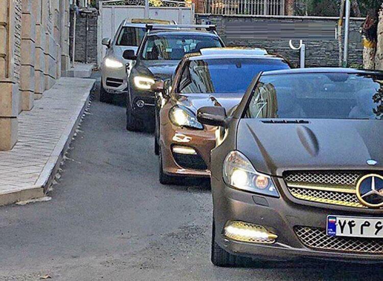واردات خودروهای بالای ۲۵۰۰ سی سی همچنان ممنوع است