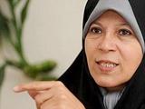 فائزه هاشمی: پنج نفر از خانواده ما ممنوعالخروج شده یا مرتبا به دادگاه احضار میشویم