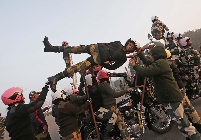 عکس روز: حادثهجویان آماده میشوند