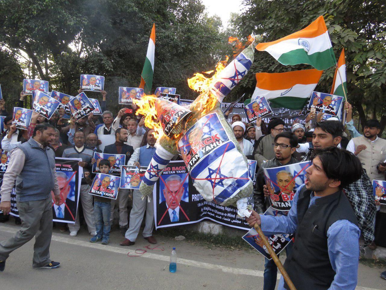 تلاش نتانیاهو برای گسترش روابط با دولت هند در میان اعتراضهای گسترده مردم