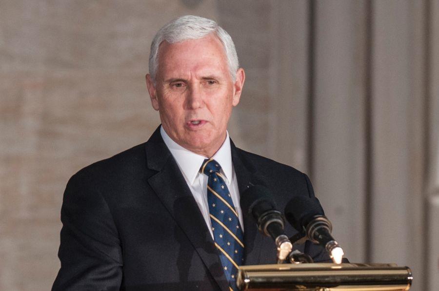 مایک پنس با هدف اجرای مواضع جنجالی ترامپ به غرب آسیا میرود