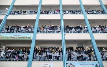 عکس روز: عکس یادگاری در مدرسه