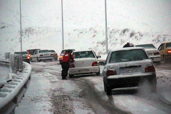 انسداد ۸ محور مواصلاتی | ادامه بارش برف در ۱۱ استان کشور