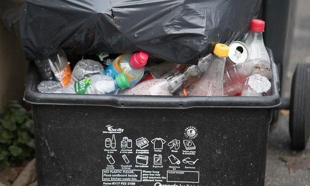 تصمیم جدید چین و دردسر انباشت زباله در مراکز بازیافت انگلیس