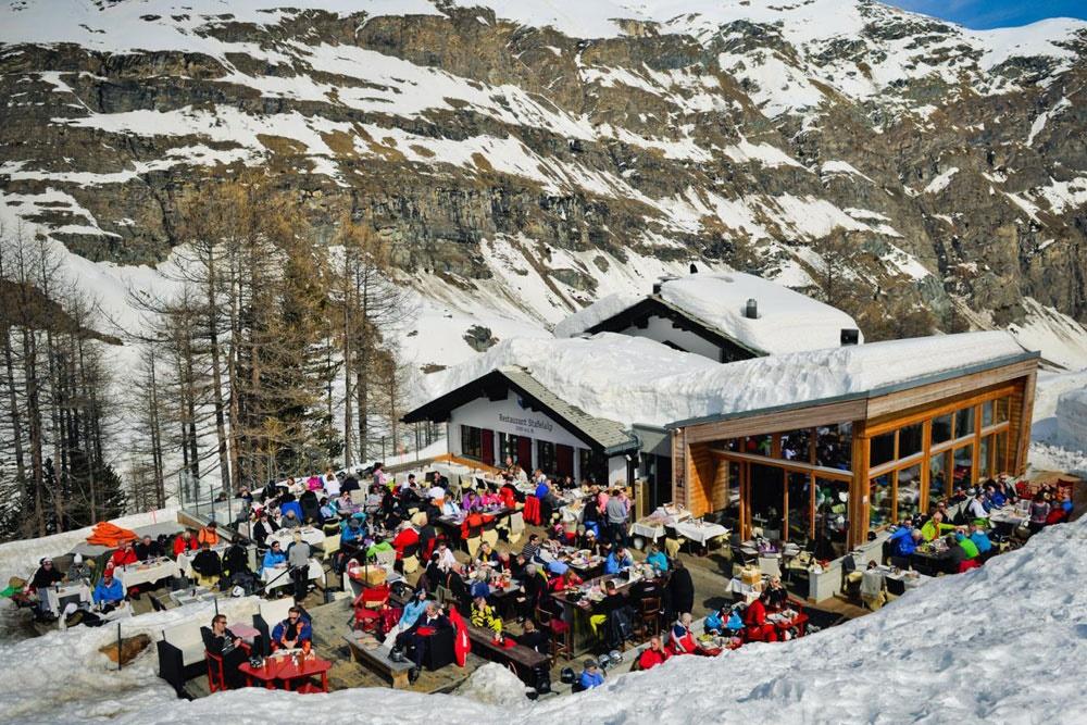 ۱۳ هزار نفر در مقصد گردشگری سوئیس محبوس شدند