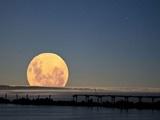 آخرین ابرماه سال در کنار ماهگرفتگی در آسمان ۱۱ بهمن | ماه به مهمانی زمین میآید