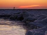 عکس روز: موجهای یخزده