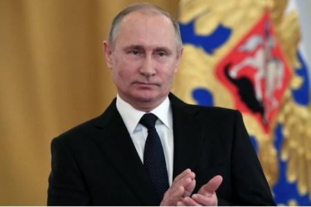 پوتین در دور نخست انتخابات پیروز می شود