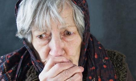چطور سالمندان در برابر سرمای زمستان ایمن بمانند