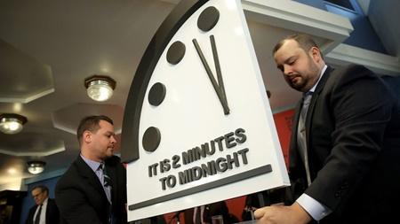 دو دقیقه مانده به نیمه شب: ساعت رستاخیز ۳۰ ثانیه به نیمه شب نزدیک شد