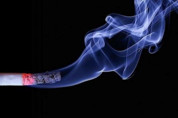 سیگار کشیدن موجب تضعیف سیستم ایمنی دندانها میشود