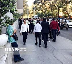 پلیس مانع خودسوزی یک جوان مقابل ساختمان شورای شهر تهران شد