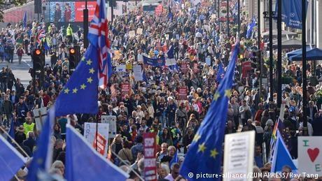 تظاهرات صدها هزار نفری مخالفان برگزیت در پایتخت انگلیس